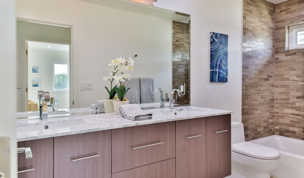 1 bathroom remodeling los angeles pure builders inc for Bathroom remodeling contractor los angeles